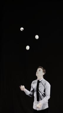 Arron Juggling